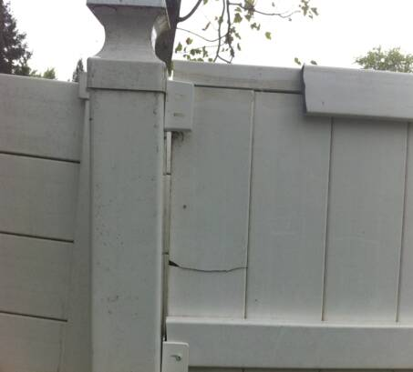 Vinyl Fence - Home Disasters Forum - GardenWeb